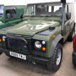 land rover defender 4x4 diesel Front view