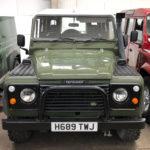 land rover defender 4x4 diesel front